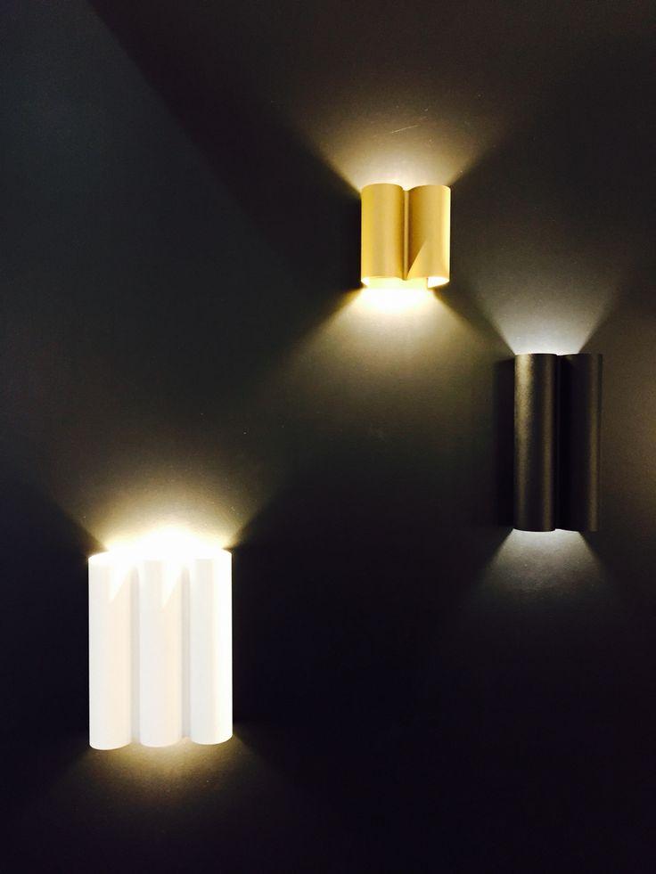 TWERKIT baby. Last day at L+B. #twerkit #wall DARK® #lighting #LED #design #darlings #architecturallighting #diffrentfixturecolors ⚡️✨ dark.be