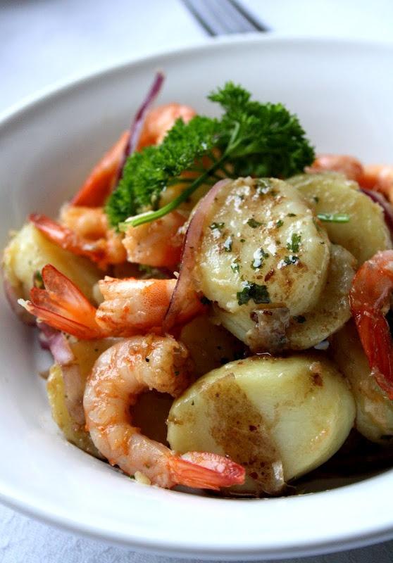 Salade de pommes de terre nouvelles et crevettes