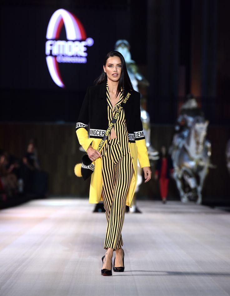 Adriana Lima - Victoria's Secret Melekleri büyüledi