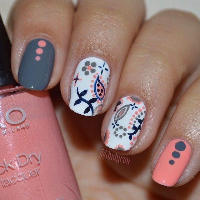 grey nails 009
