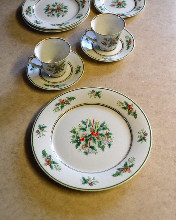 Noritake Holly DINNER PLATE, Holiday Christmas Dishes, vintage retro special occasion dinnerware