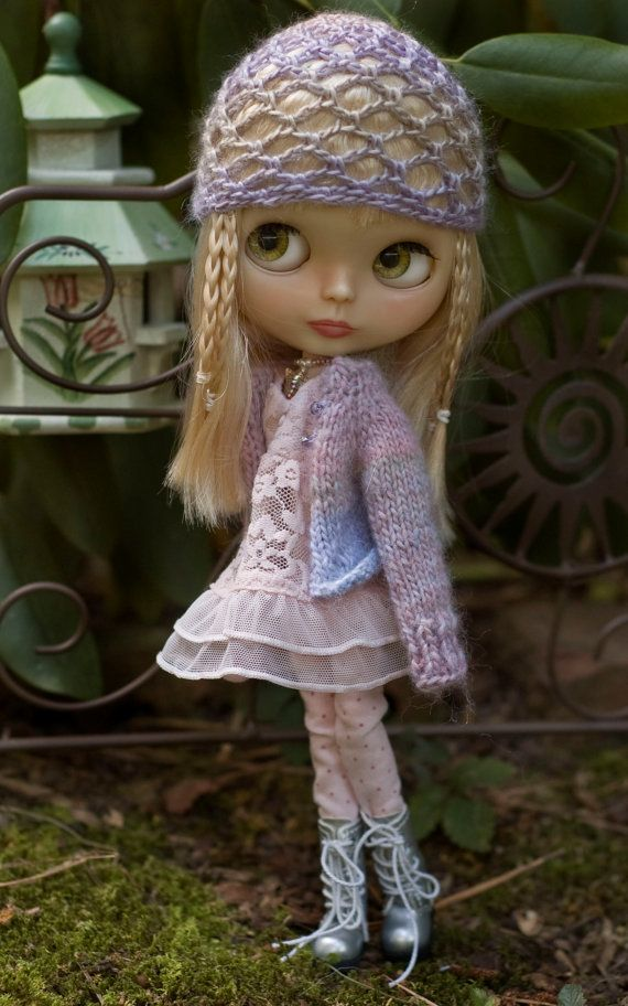 Queen Ann's Lacy Dress, Polka Dot Leggings, Butterfly Necklace, Pastel Knitted Sweater N' Juliet Cap For Blythe Doll