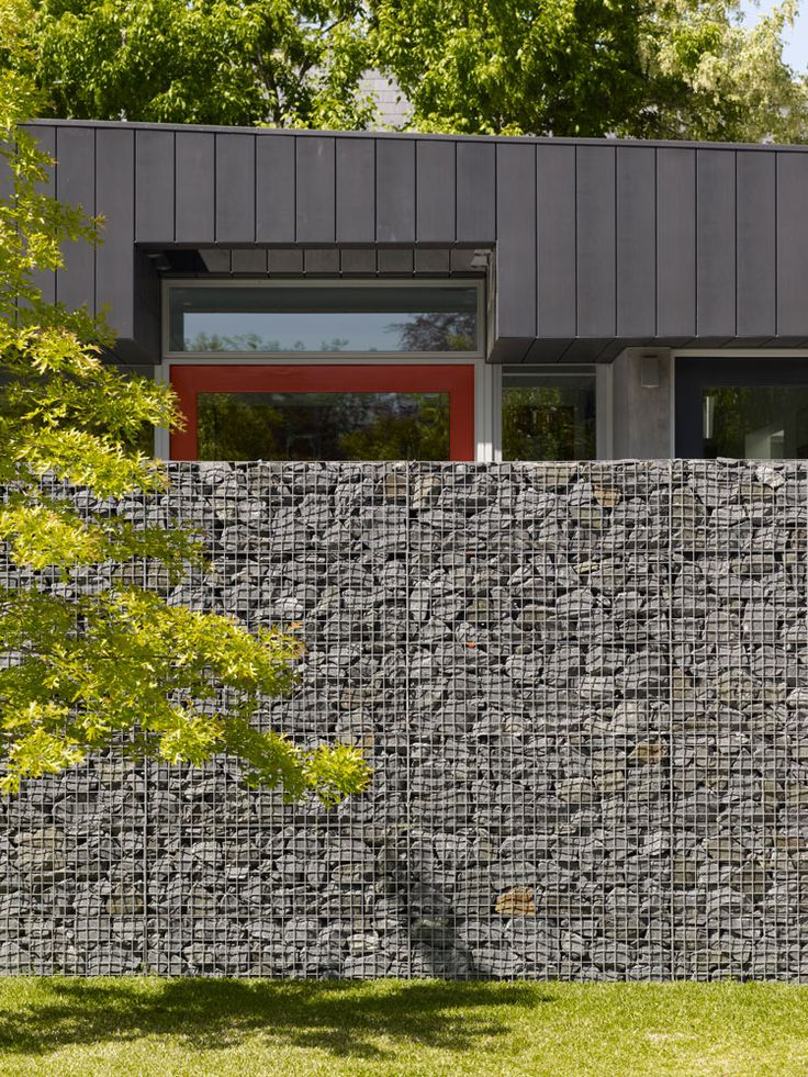 Nareeb court peter clarke photography detalles arq Gabion wall design