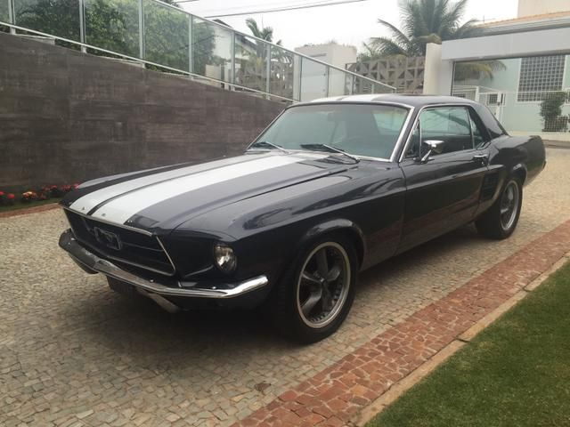 Mustang 1967 - placa preta