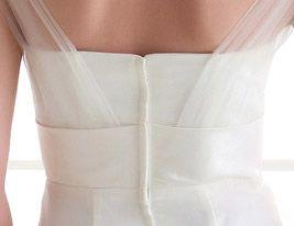 Trumpet/ Mermaid Off-the-shoulder Sweep/ Brush Train Tulle Wedding Dress