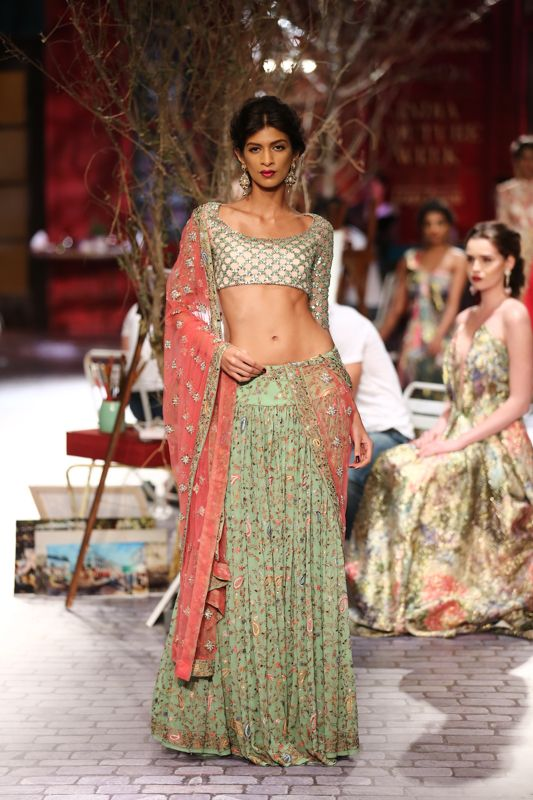 Lengha by Monisha Jaising at ICW 2014