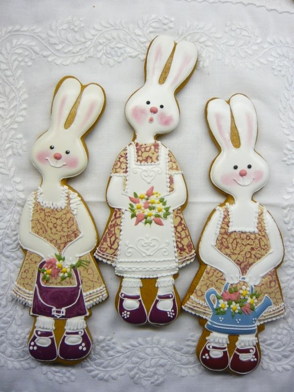 Gingerbread Rabbits - who would dare eat these beautiful creations?!