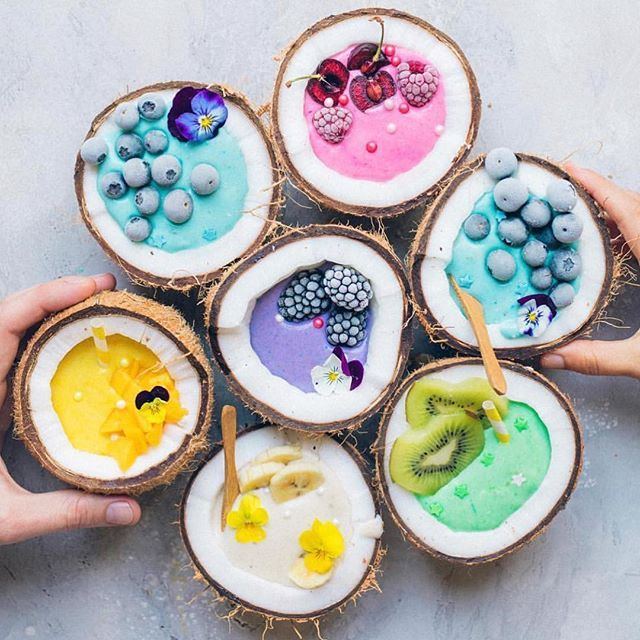 Rainbow smoothie coconuts  Doesn't get much better than this  What colour is your favourite? @anettvelsberg Shop our superfoods here: https://www.unicornsuperfoods.com/collections/all