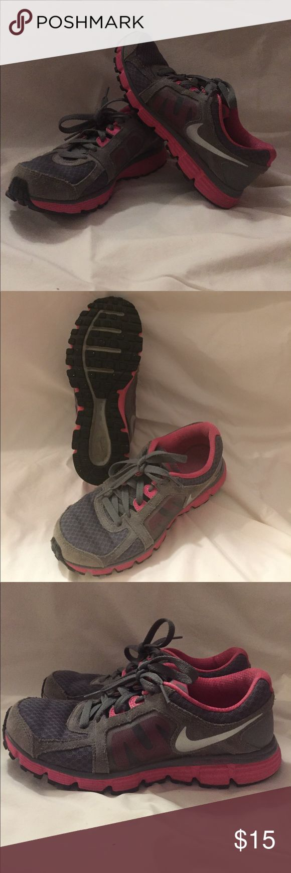 Nike Tennis Shoes NIKE DUAL FUSION ST2 Size 7 Super nice condition!! Nike Shoes Athletic Shoes