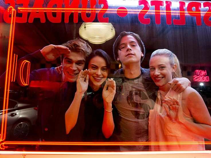 """Riverdale -- """"Pilot"""" -- Image Number:RVD101g_BTS_0281.jpg -- Pictured (L-R): Behind the scenes with KJ Apa as Archie, Camila Mendes as Veronica, Cole Sprouse as Jughead, and Lili Reinhart as Betty -- Photo: Katie Yu/The CW -- © 2016 The CW Network. All Rights Reserved."""