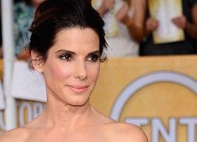 Mais bem paga de Hollywood, Sandra Bullock pede dinheiro emprestado (Foto: Getty Images) - http://epoca.globo.com/colunas-e-blogs/bruno-astuto/noticia/2014/08/depois-de-eleita-mais-bem-paga-de-hollywood-bsandra-bullockb-pede-dinheiro-emprestado.html