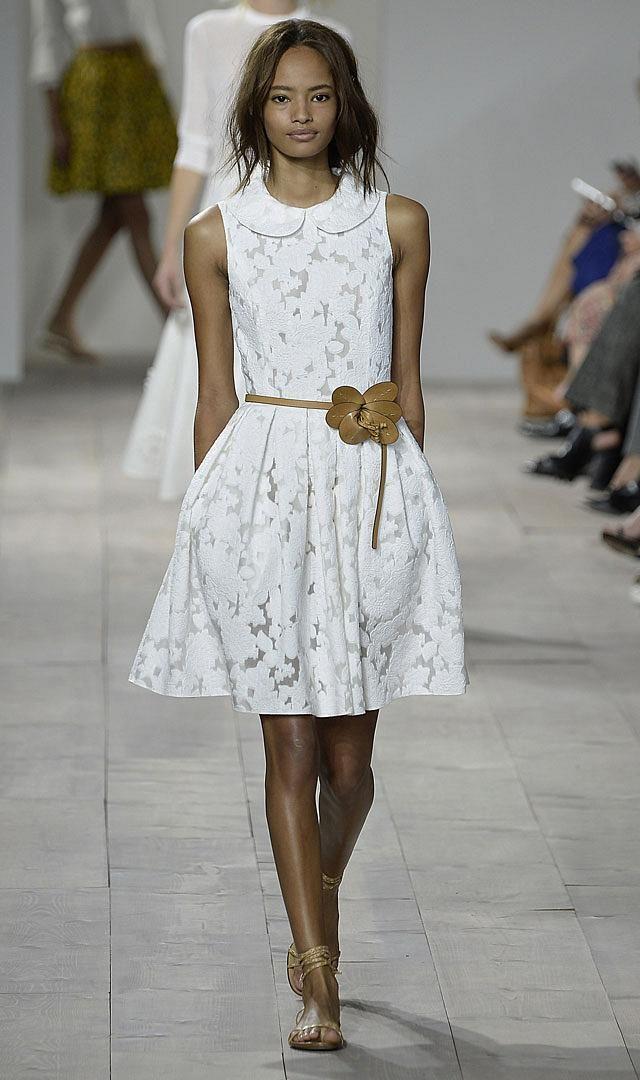 White Always a Winner - http://www.mildred.co/issue-95/finesse-fashion/white-always-a-winner/  #fashion #Zimmermann #Herrera #Mischka
