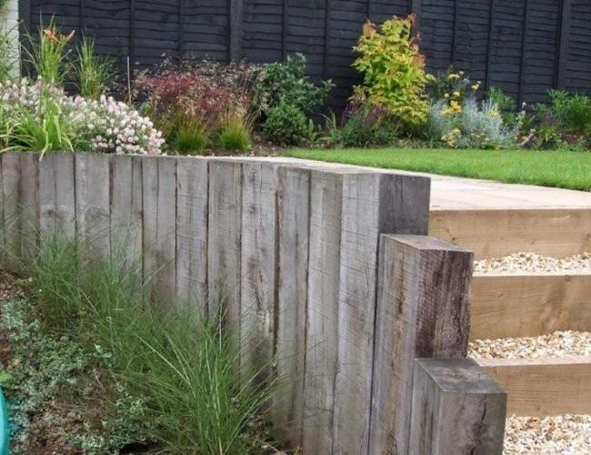 Sleepers for our curved wall craft ideas pinterest for Curved garden wall ideas