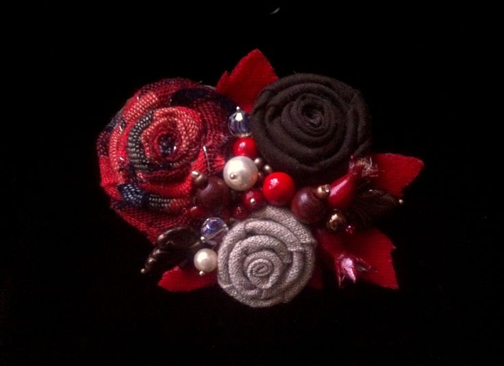 This is my first textil brooch) With briar berries ^-^ #flower_brooch #textil_brooch #briar