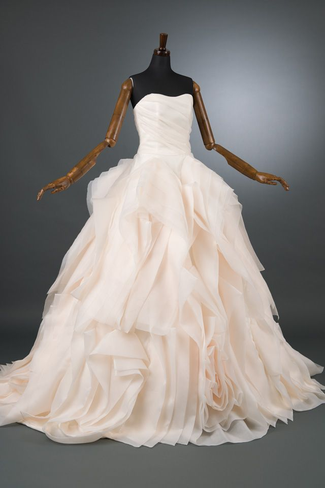 25 best ideas about vera wang wedding dresses on for Vera wang tea length wedding dress