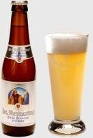 Cerveja St. Bernardus Witbier, estilo Witbier, produzida por St. Bernard Brouwerij , Bélgica. 5.5% ABV de álcool.