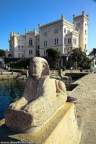 Miramare, Italia Trieste, Friuli Venezia Giulia;    #TuscanyAgriturismoGiratola