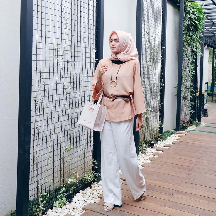"""5,723 Likes, 25 Comments - CINDY LEVINA CLEVINA (@cindylevinaa) on Instagram: """"Love this blouse by @viscoose_id """""""