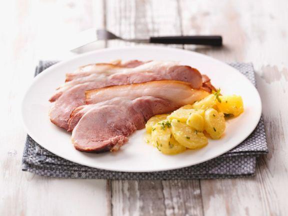 Schäufele mit Kartoffelsalat ist ein Rezept mit frischen Zutaten aus der Kategorie Kartoffelsalat. Probieren Sie dieses und weitere Rezepte von EAT SMARTER!