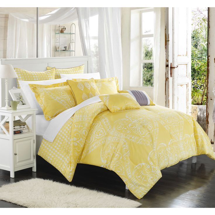 Chic Home 8 Piece Perugia Oversized overfilled REVERSIBLE printed Comforter Set. Front a traditional pattern and Reverses into a houndstooth pattern, Yelow