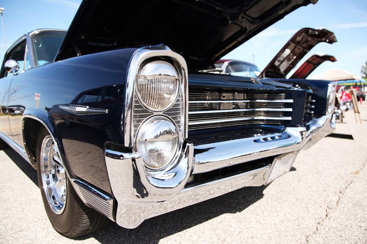 Classic Sunday Funday at the Highway 11 Cruisers Car Show in East Gwillimbury! http://www.newroads.ca/blog/highway-11-cruisers-car-show-east-gwillimbury/