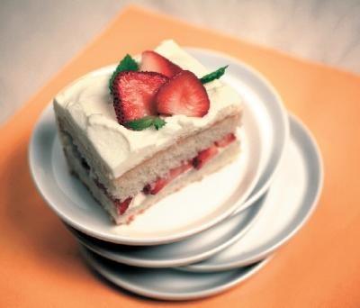 The Kosher Gourmet: Exuding a bit of quiet elegance, surprisingly simple refrigerator cake is a timeless dessert