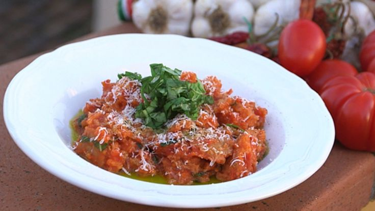 En tomat- og brødsuppe med de beste tomatene du kan få tak i. Brødrene Price lager en veldig enkel rett som har røtter langt tilbake i tid.
