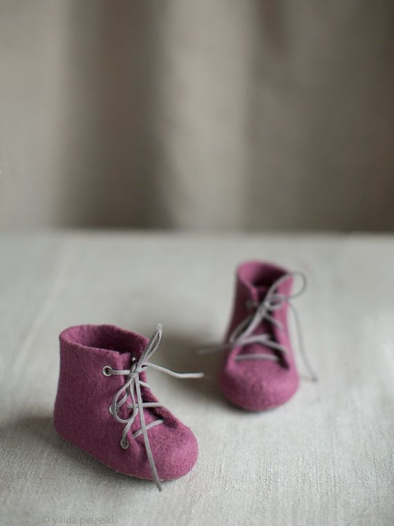 Newborn booties Natural wool boots Felted eco friendly от VART