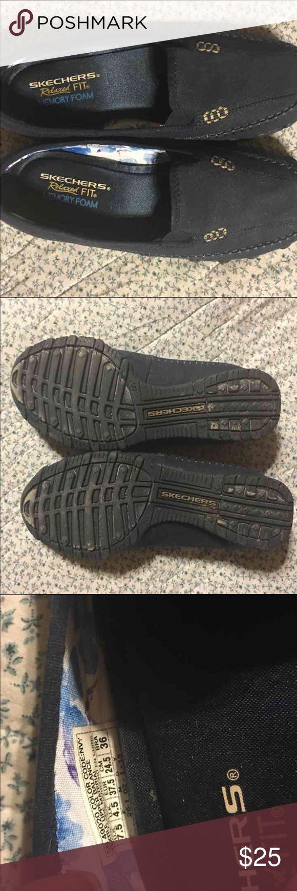 Comfy Skechers slip on shoes! Memory foam Skechers slip on shoes Skechers Shoes Flats & Loafers