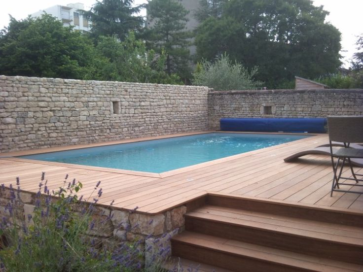 Les 25 meilleures id es de la cat gorie piscine semi for Destockage piscine bois semi enterree