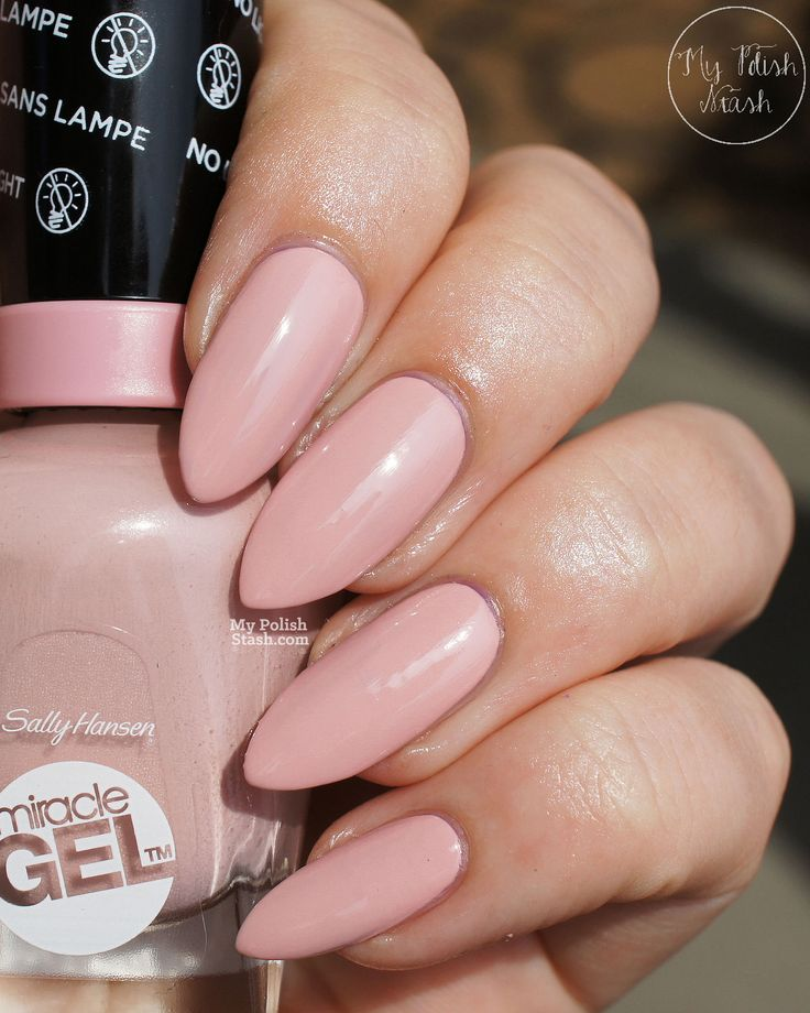 sally hansen miracle gel pinky promiseLove this! You can tell these are her natural nails! #NaturalNailsGang