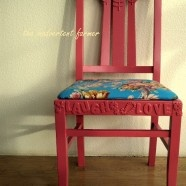 "Cool idea...could use it to make a ""wood"" sign: Wooden Chairs, Chairs Makeovers, Foam Stickers, Foam Letters, Antiques Chairs, Fun Crafts, Old Chairs, Paintings Chairs, Chairs Redo"