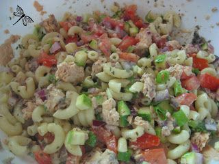 Libellule et ses spatules: Salade de pennine au saumon