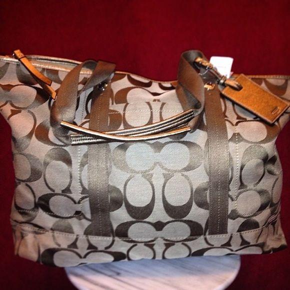 COACH TRAVEL BAG New. Coach Bags