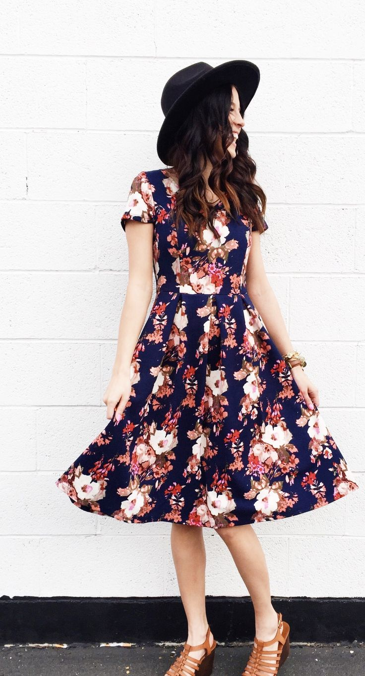 Florals are so feminine. I love the colors too.