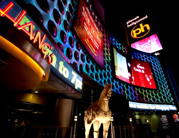 The Miracle Mile shops – Las Vegas, USA    These shops are wrapped in huge PRISM display systems, with a 25 mm pitch that displays ads and multi-colored animations.