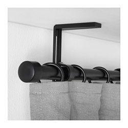 IKEA - BETYDLIG, Support mural/plafond, blanc,  , , Si vous préférez accrocher les rideaux plus près ou plus loin de la fenêtre, il suffit de régler l'angle de la tringle.Bandes antiglisse en 2 épaisseurs, la plus épaisse pour la tringle RÄCKA et la plus fine pour la tringle HUGAD.Vous pouvez créer une solution double ou triple en superposant les rideaux à l'aide de supports muraux pour tringles BETYDLIG. Vendus séparément.