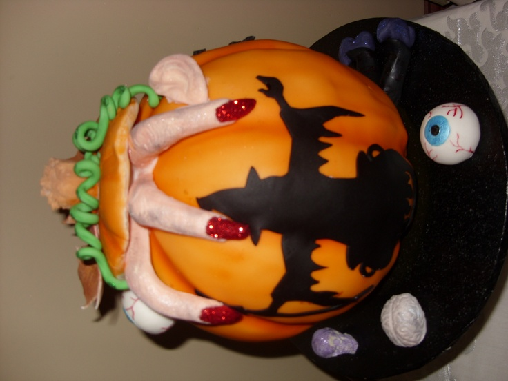332 best Cakes images on Pinterest Halloween cakes, Cake ideas and - halloween cake decorations