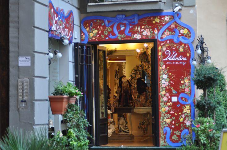 Napoli , shopping a san Pasquale