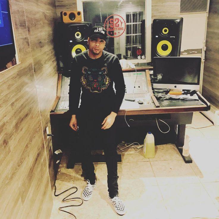 THANK GOD #oldpic #studio #studioflow ##datpiff #livemixtapes #northcarolina #southcarolina #newyork bronx #connecticut #texes #colorado #Cleveland #texes #mmg #defjamrecords #vevo #vh1 #bet #mtvjams #mixtapecomingsoon #nomorewait #philly #Flatbush #Atlanta #Georgia #hiphop #hoston #hiphop #losangeles
