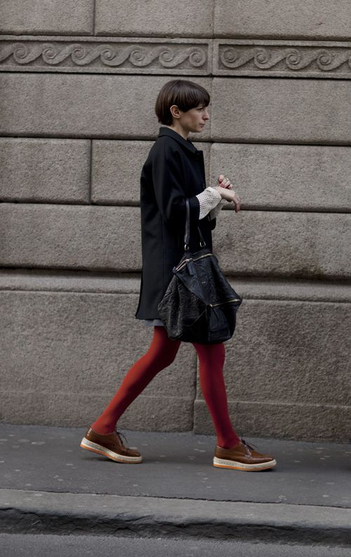 via sartorialistBright Tights, Red Legs, Fashion, Minimal Shoes, Bags Everyday, Colors Tights, Men Shoes, Red Tights, The Sartorialist