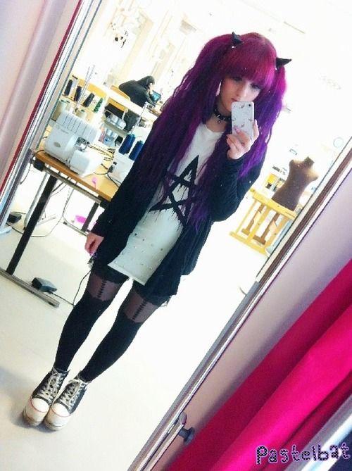 pastel goth, creepy cute, spooky kawaii