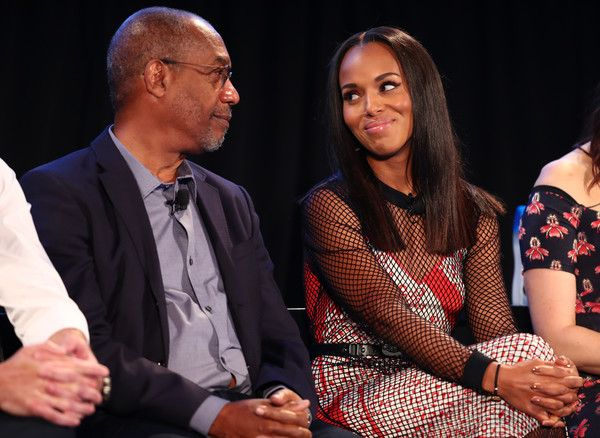 Joe Morton (L) and Kerry Washington speak onstage during SCANDAL: THE FINAL SEASON panel at Vulture Festival LA Presented by AT&T at Hollywood Roosevelt Hotel on November 18, 2017 in Hollywood, California. - Vulture Festival LA Presented by AT&T - Day 1