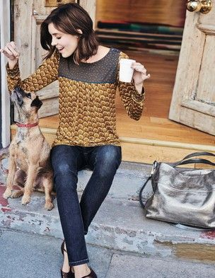 Chepstow Top - does this one come with the pooch?