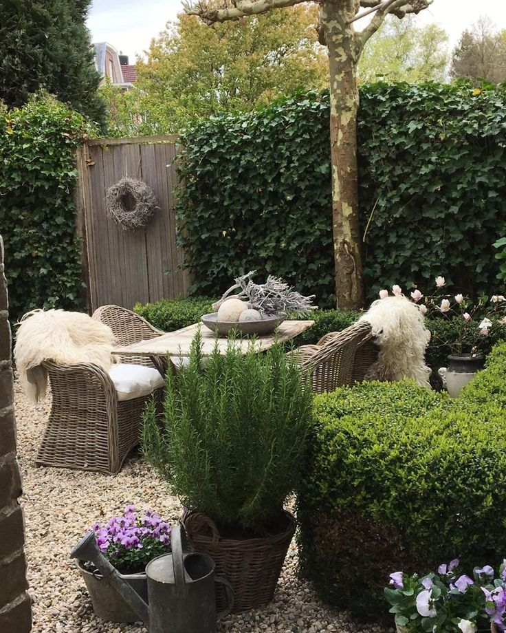 9 Front Garden Ideas Anybody Can Try: 17 Best Images About Shabby Chic/country Garden Ideas On