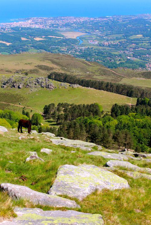 La Rhune : vue sur Saint Jean de Luz et la côte Basque (French Basque Country)