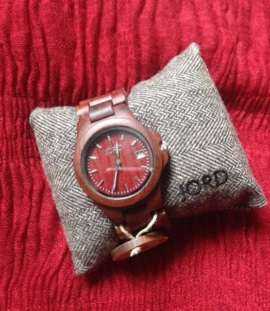 red Jord Wood Watch on presentation pillow neversaydiebeauty.com @redAllison #jordwatch