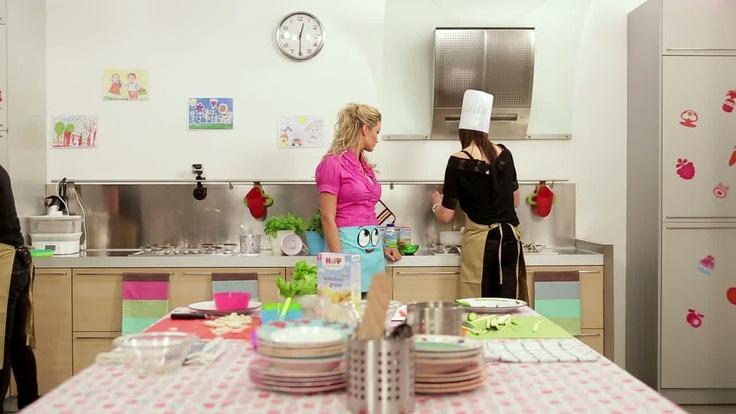 Una foto dal set di Non solo pappe, il nuovo programma in onda su #Easybaby (canale 137 di #Sky).  http://www.easybaby.it/bambino/piatti-veloci-per-bambini-la-sfida-continua-con-hipp2/