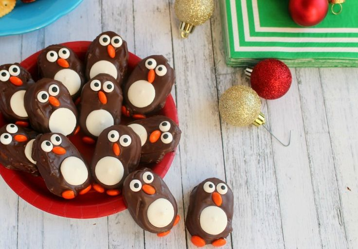 These delicious Penguin Cookies are the perfect treat for the next holiday party or get-together.