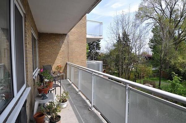 Leaside Toronto Condominiums 1901 Bayview Avenue Unit 206 Large Balcony Victoria Boscariol Chestnut Park Real Estate